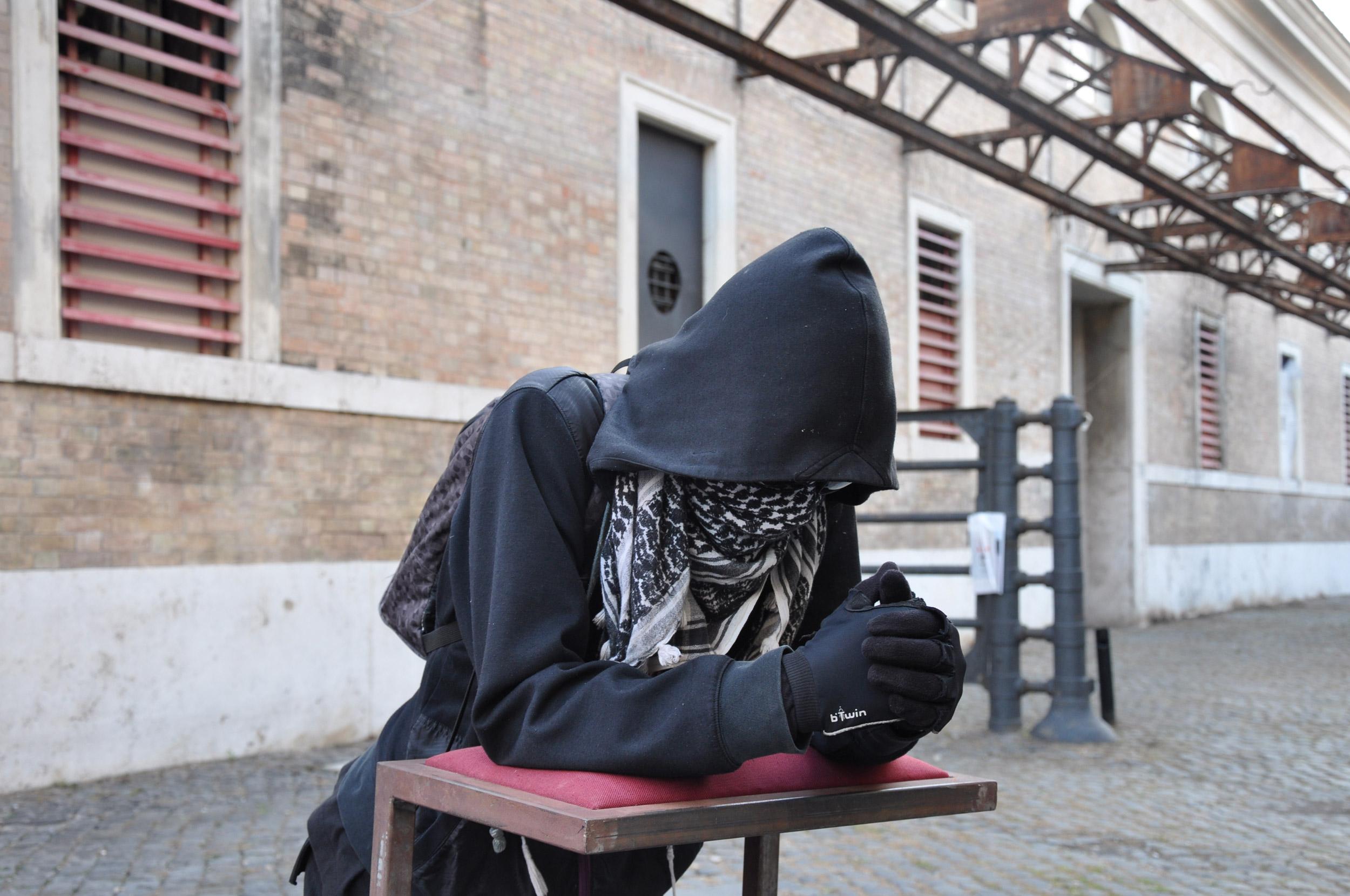 Matteo Peretti, Fede incontrollabile, 2013